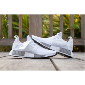 Adidas Originals NMD R1 W белые