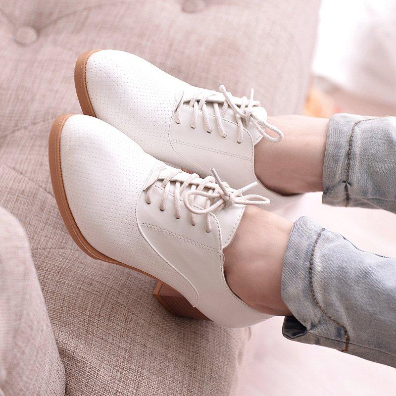 http://divamarket.ru/images/upload/Новые-2016-женщины-насосы-квадратных-каблуках-зашнуровать-ботинки-женщин-удобные-высокие-каблуки-качество-резиновых-женщин-повседневная.jpg