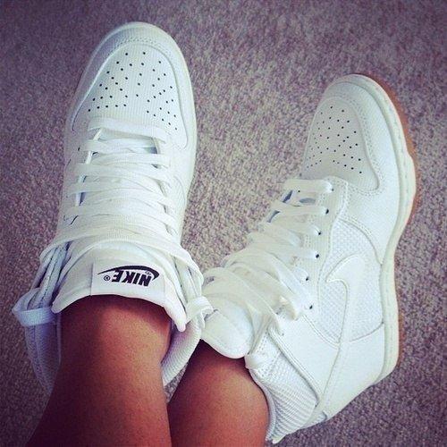 http://divamarket.ru/images/upload/Nike%20Dunk%20Sky1.jpg