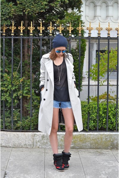http://divamarket.ru/images/upload/burberry-coat-alexander-wang-bag-levis-shorts-isabel-marant-sneakers_400.jpg